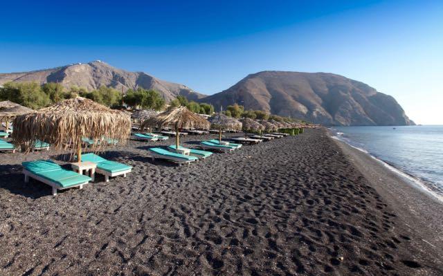 best-beaches-in-santorini-perivolos-beach