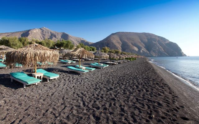 best-beaches-in-santorini-perivolos-beach