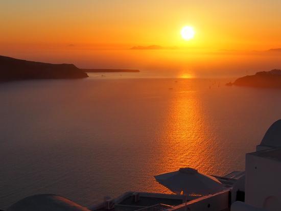 coucher-de-soleil-a-santorin